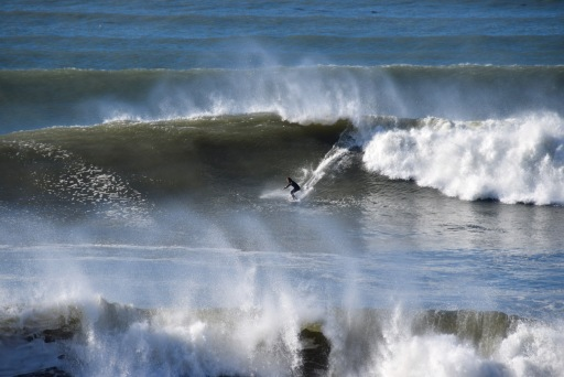 Giant swell in Shell