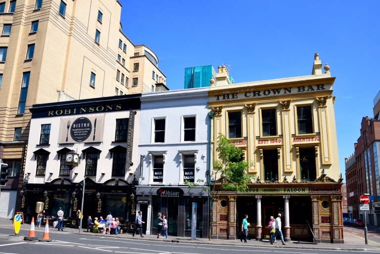Robinsons and Crown Bar in Belfast